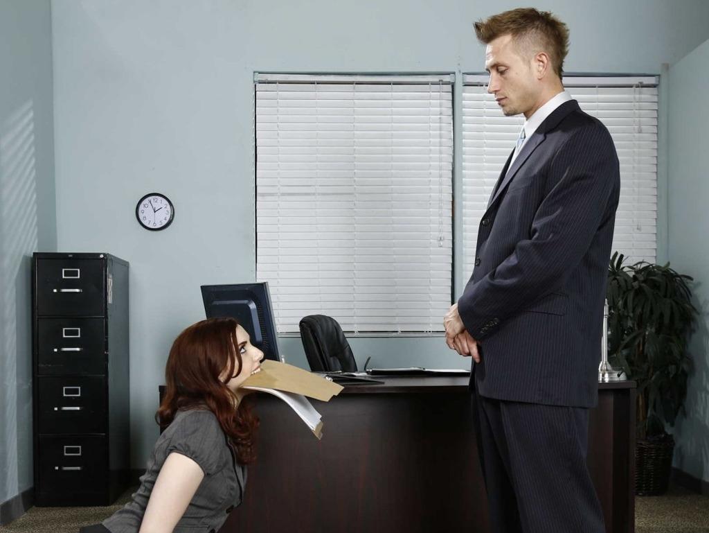 есть,вы хотите начальницы и их подчиненный в офисе смотреть онлайн такой пары
